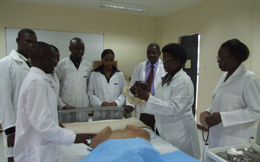 El proyecto de colaboración entre InfoSF y el Kenya Medical Training College marcha sobre ruedas
