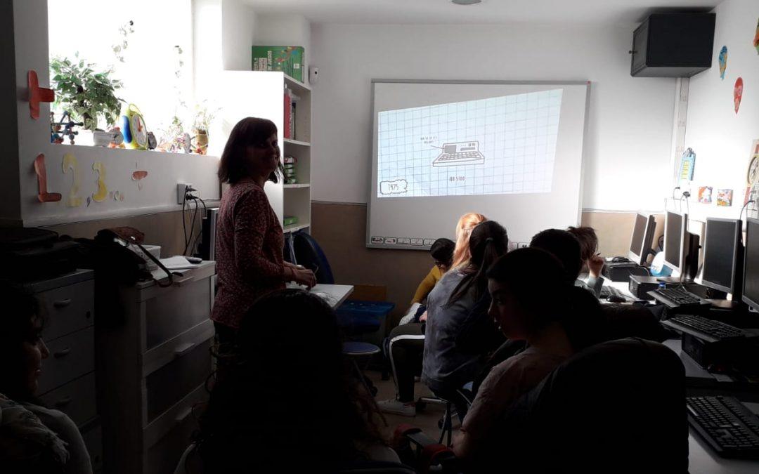 InfoSF imparte dos talleres presenciales de búsqueda de información para pacientes en la asociación Ángeles Urbanos