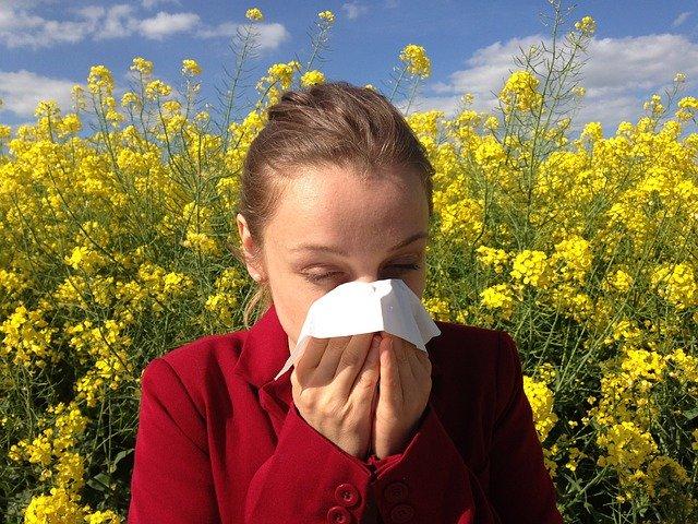 CÓMO DIFERENCIAR los síntomas de la Covid-19 de los de la alergia primaveral